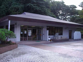横須賀市営公園墓地管理事務所